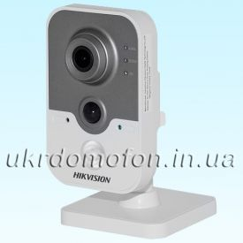 IP камера для дома Hikvision DS-2CD2420F-IW (2.8 мм)